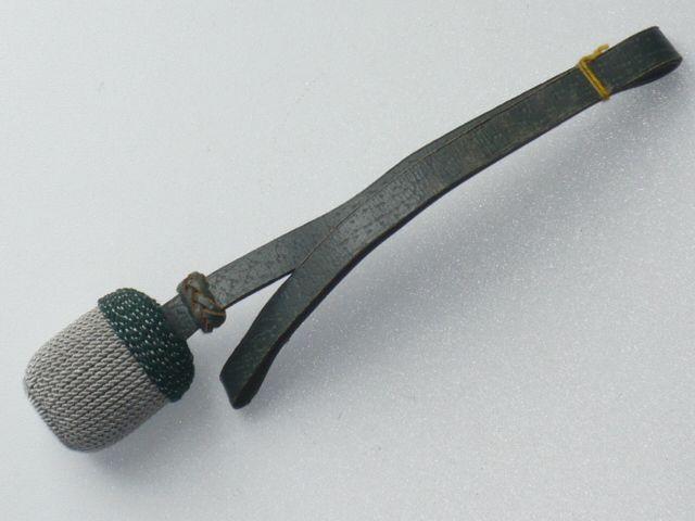 Dragonne de baïonnette de Mauser 98k Sous-officier des troupes montées, Faustriemen, gland argent, couronne vert piqué d'argent