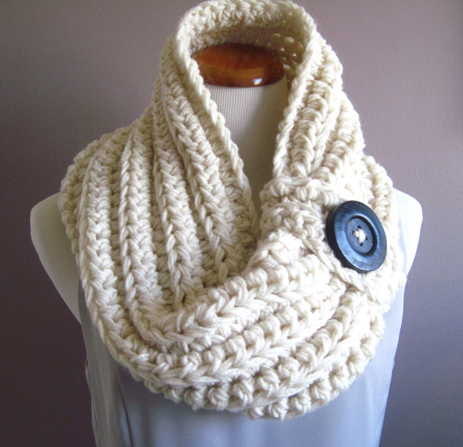 Chunky knit with big button. (With images)   Crochet ...