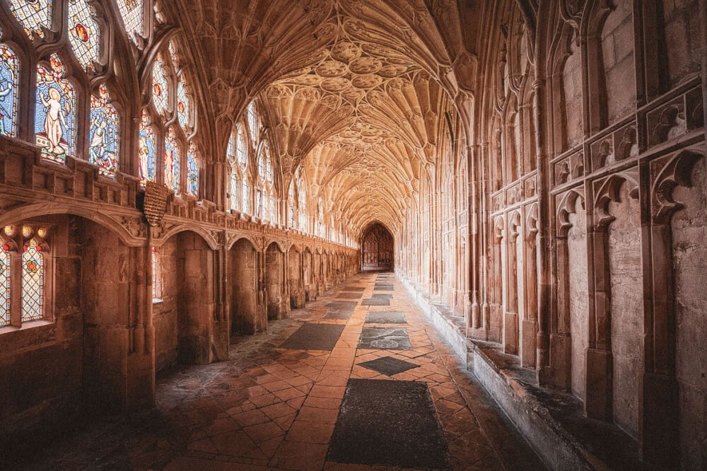 20 Hogwarts Locations Revealed Here S Your Ultimate Guide To Visiting Hogwarts In Real Life Hogwarts Location Harry Potter Filming Locations Hogwarts