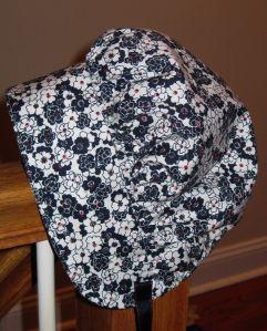 Laura Ingalls Wilder bonnet tutorial