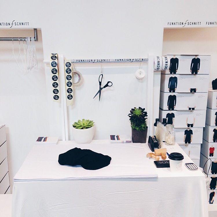We are ready! Ihr könnt uns heute beim @fashion.yard im Barthonia Forum, Köln Ehrenfeld treffen. Probiert unsere Shirts an, überzeugt Euch von der Qualität und erlebt ein tolles Tragegefühl!  Wir sind heute und morgen von 12-19 für Euch da! Wir freuen uns auf Euch!  #funktionschnitt #fashionyard #thisiscologne #shirts #premiumbasics #meetusthere #fashion #minimal #basics