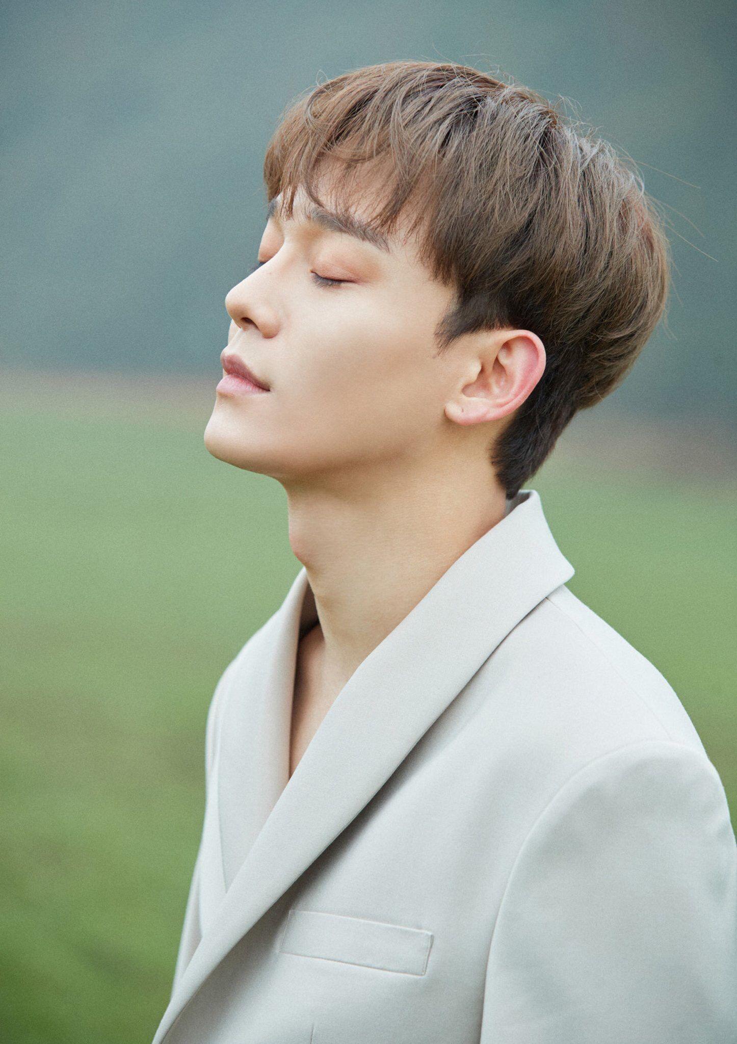 Chen April And A Flower Itunes Digital Booklet Exo Kim Jongdae Exo Chen Exo Jongdae Kpop Exo