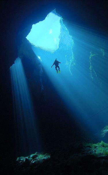 Mount Gambier Australia :: Kilsby's Sinkhole