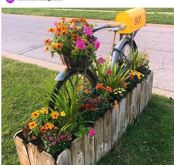 24 Charming Flower Beds Around Mailboxes In 2020 Mailbox Garden Diy Garden Mailbox Landscaping