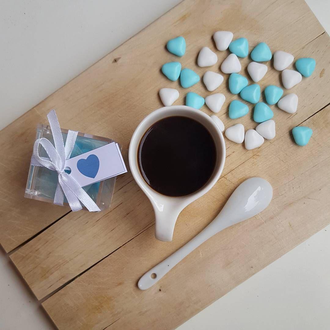 Oggi lo passiamo così: a ricordare le emozioni di ieri e tutto l' affetto ricevuto, a sistemare regali e a sgranocchiare confettini al cioccolato  #coffeetime #coffee_inst #coffeelover #moka_lovers #coffeeaddict #womoms_breakfast #photobreakfast #colazioneitaliana #colazionetime #snap_ish #caffè #1_cafe #unatazzadicaffe #IgCoffee #ottobre #ilbattesimodilorenzo #azzurro #creativityinmybreakfast #infinity_coffeebreak #hearts #happiness #felicità