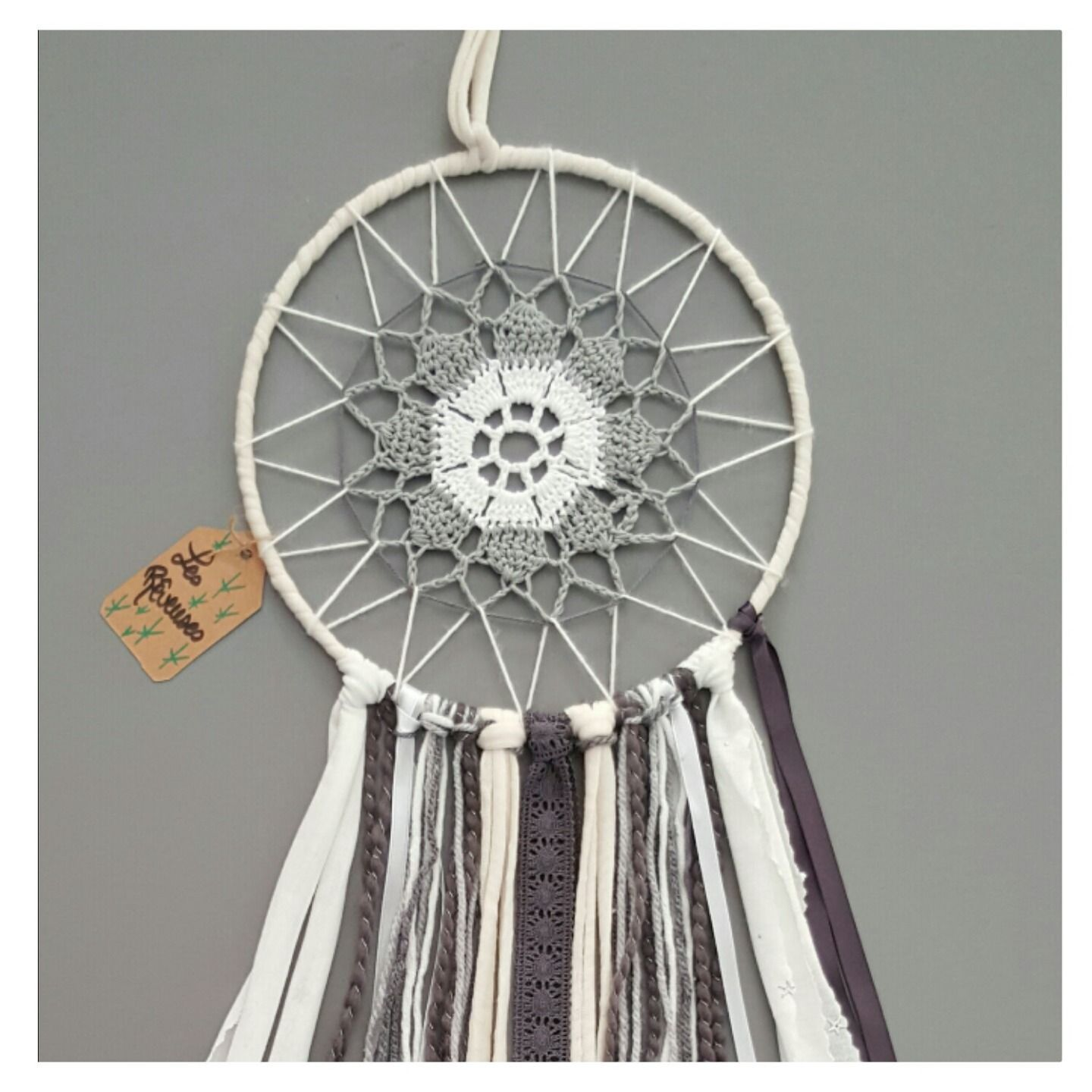 Attrape r ve personnalisable gris blanc crochet dream catcher pinterest dream catchers and - Attrape reve crochet ...