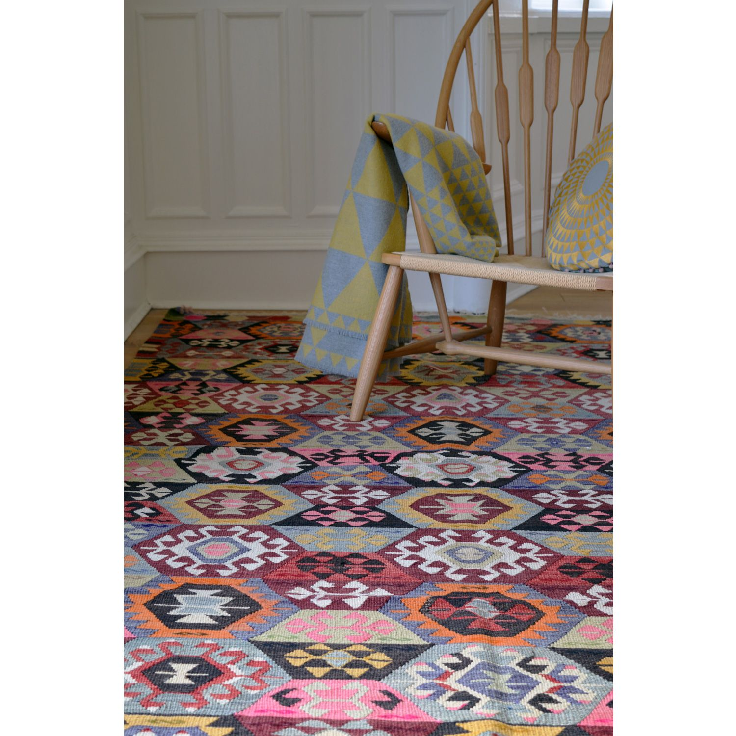 This Wool Flat Weave Kilim Originates From The Kula Region West Of Anatolia And Dates Find Pin More On Niki Jones Rug