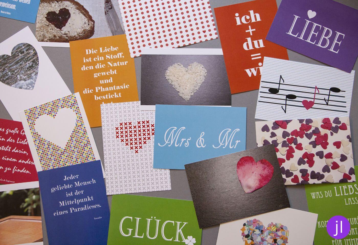 Dem Brautpaar Das Erste Ehejahr Versussen Mit Diesen 52 Postkarten Schafft Ihr Das Mit Sicherheit Postkarten Hochzeit Hochzeit Spiele Ehejahr