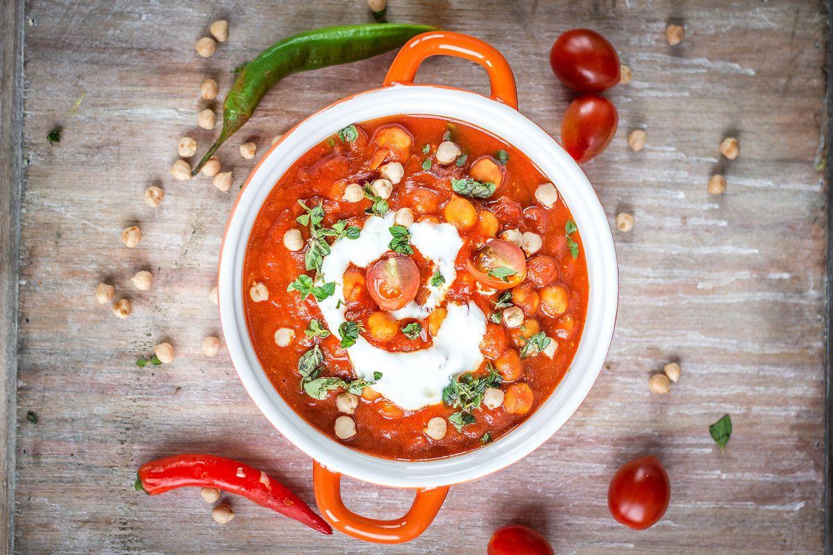 Sposób na kaca: ciecierzyca w pomidorach!