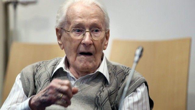 'Bookkeeper of Auschwitz' Oskar Gröning admits moral guilt as trial opens   World news   The Guardian