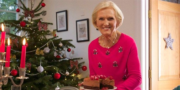 Mary Berry S Christmas Favourites Mary Berry Mary Berry Christmas Merry Berry