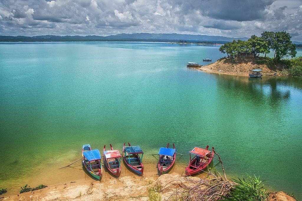 Kaptai Lake Kaptai Lake Is Located At Kaptai Rangamati Bangladesh This Large Man Made Lake Of Bangladesh Spanning Over An Area Picturesque Forest Hill Dam