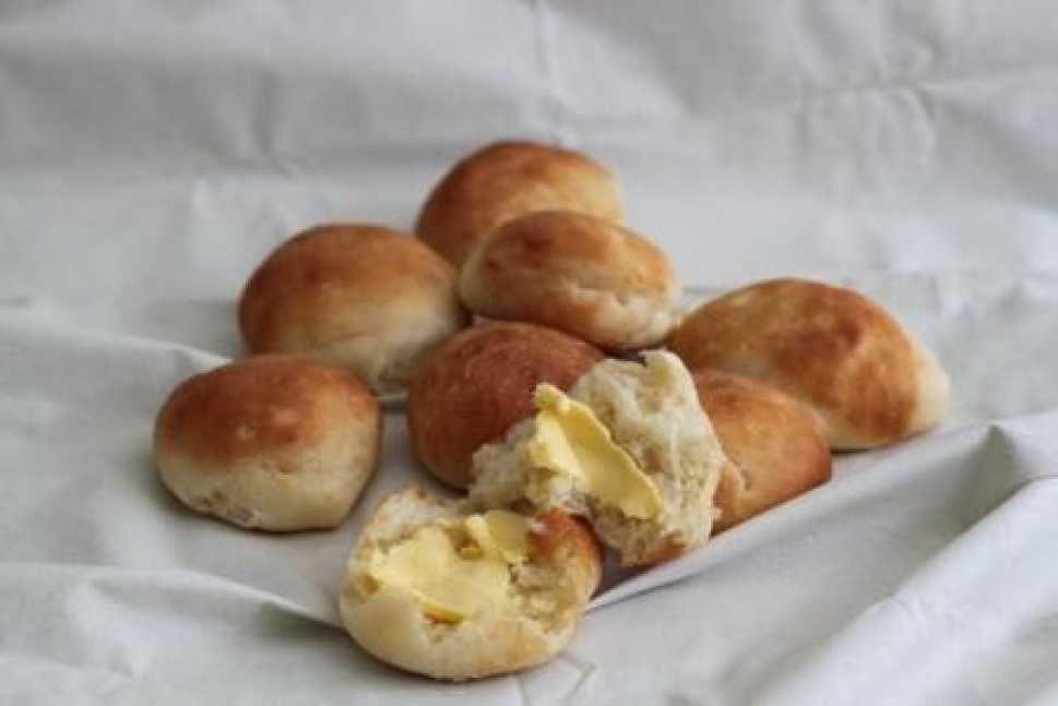 Soft Buttermilk Rolls Cooking With Tenina Thermomix Recipes Buttermilk Recipes Bakery Recipes