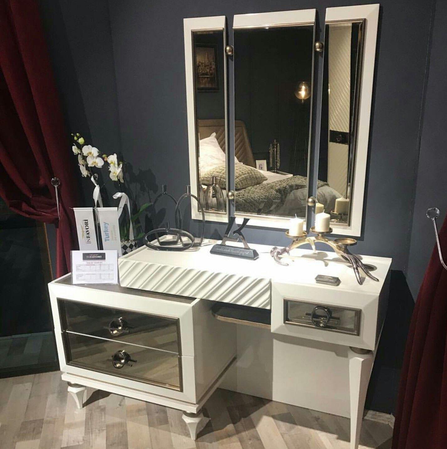 Pin By Hamda On Decor Simple Bedroom Design Modern Dressing Table Designs Modern Bedroom Furniture Sets