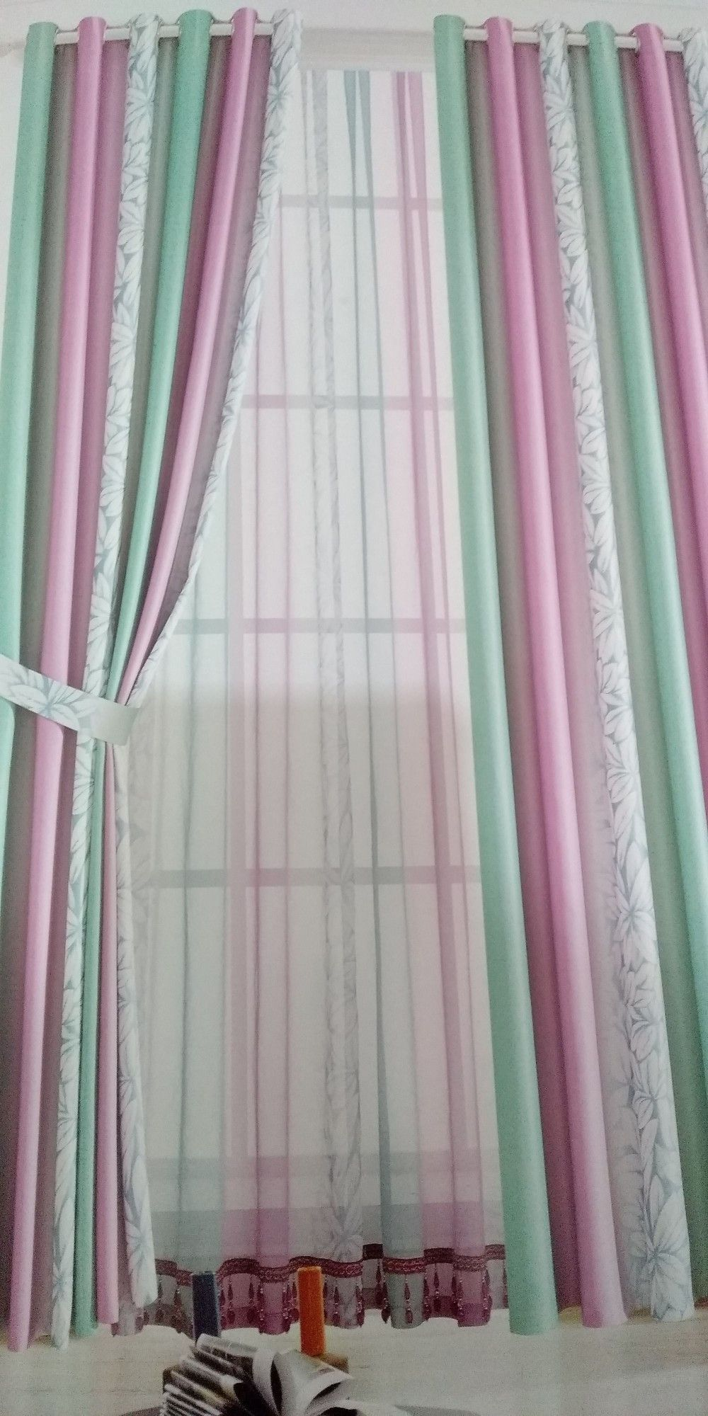 Dekorasi Gordyn Minimalis Gorden Curtain Modern Surabaya