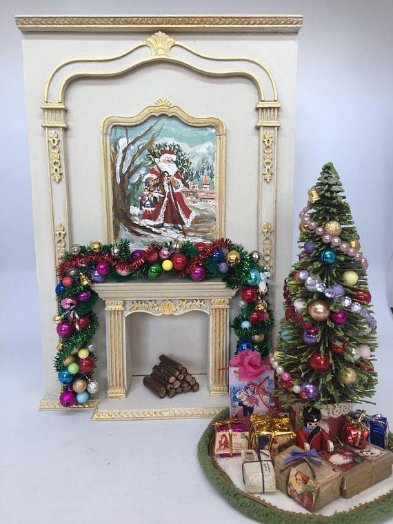Chimenea pintada a mano con motivos navideños Escala 112 tiny