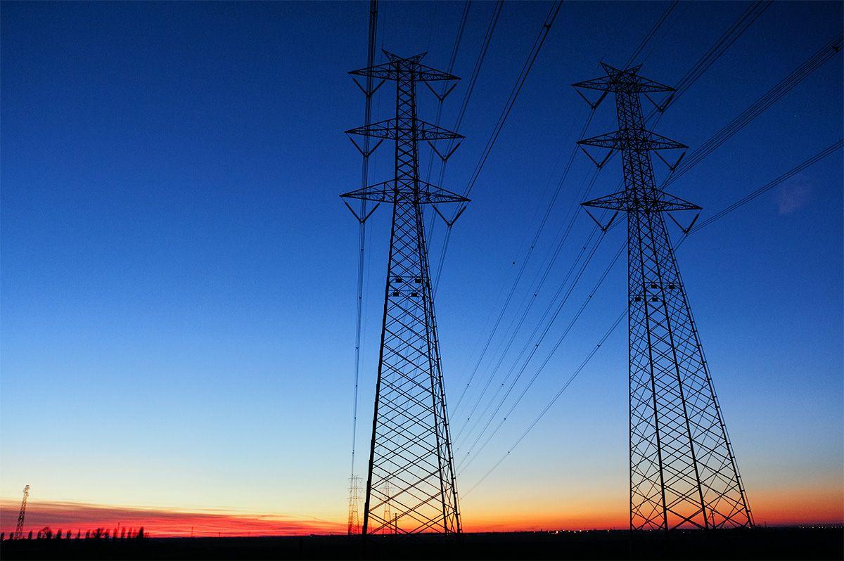 Gas e luce aumenti dal 1°Luglio: 4,3% per il metano, e 1,9% per l'elettricità. Bollette più care, anche se i prezzi delle materie prime sono calati.