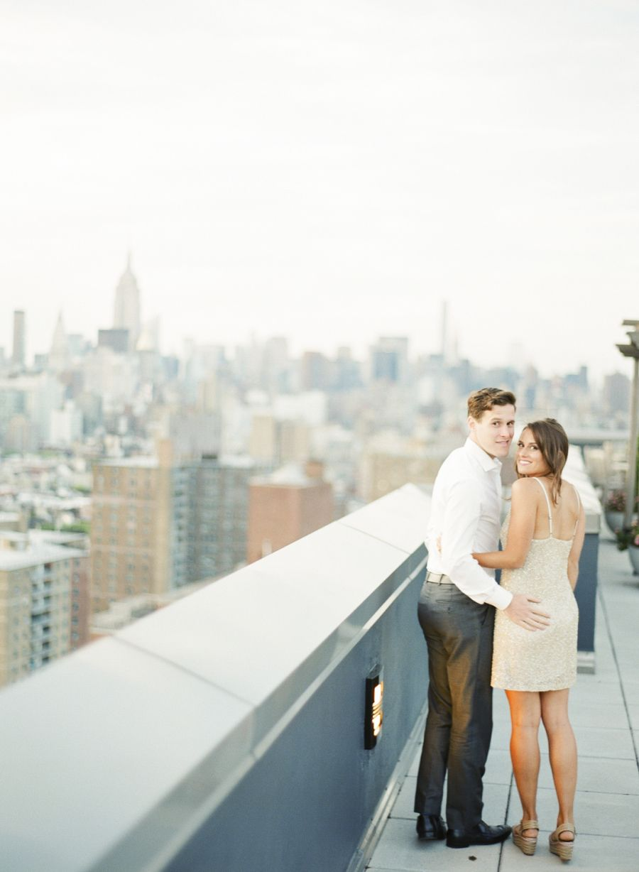 Photography : Alicia Swedenborg Read More on SMP: http://www.stylemepretty.com/little-black-book-blog/2015/08/19/elegant-nyc-high-line-engagement-session/
