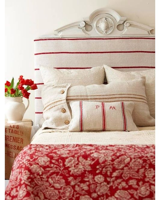 Bedroom design idea - Home and Garden Design Ideas / chambre rouge