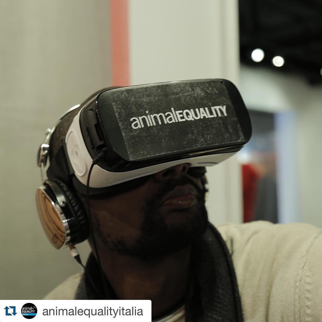 An awesome Virtual Reality pic! #Repost @animalequalityitalia with @repostapp.  Immagina di guardarti intorno e scoprire che non sei più tu e vivere di prima persona la percezione un animale rinchiuso all'interno di un allevamento intensivo. Noi l'abbiamo reso possibile... #iAnimal #Samsung #VR #VirtualReality #AnimalEquality #FactoryFarming by kodros check us out: http://bit.ly/1KyLetq