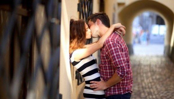 Sweet Romantic Love Wallpapers Free Download