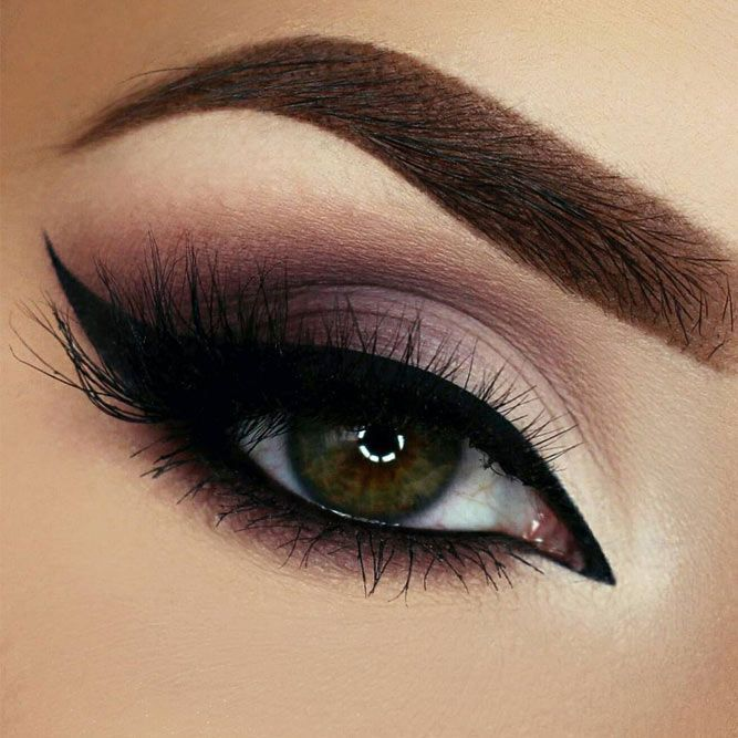 Flattering Ideas for Light Brown Eyes Makeup ★ See more: glaminati.com/… – Kreatives Make-Up