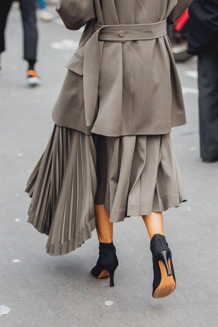 eb71a8173fd6 I look più originali e le nuove tendenze di street style direttamente dalla Paris  Fashion Week Autunno Inverno 2018 2019  streetfashion