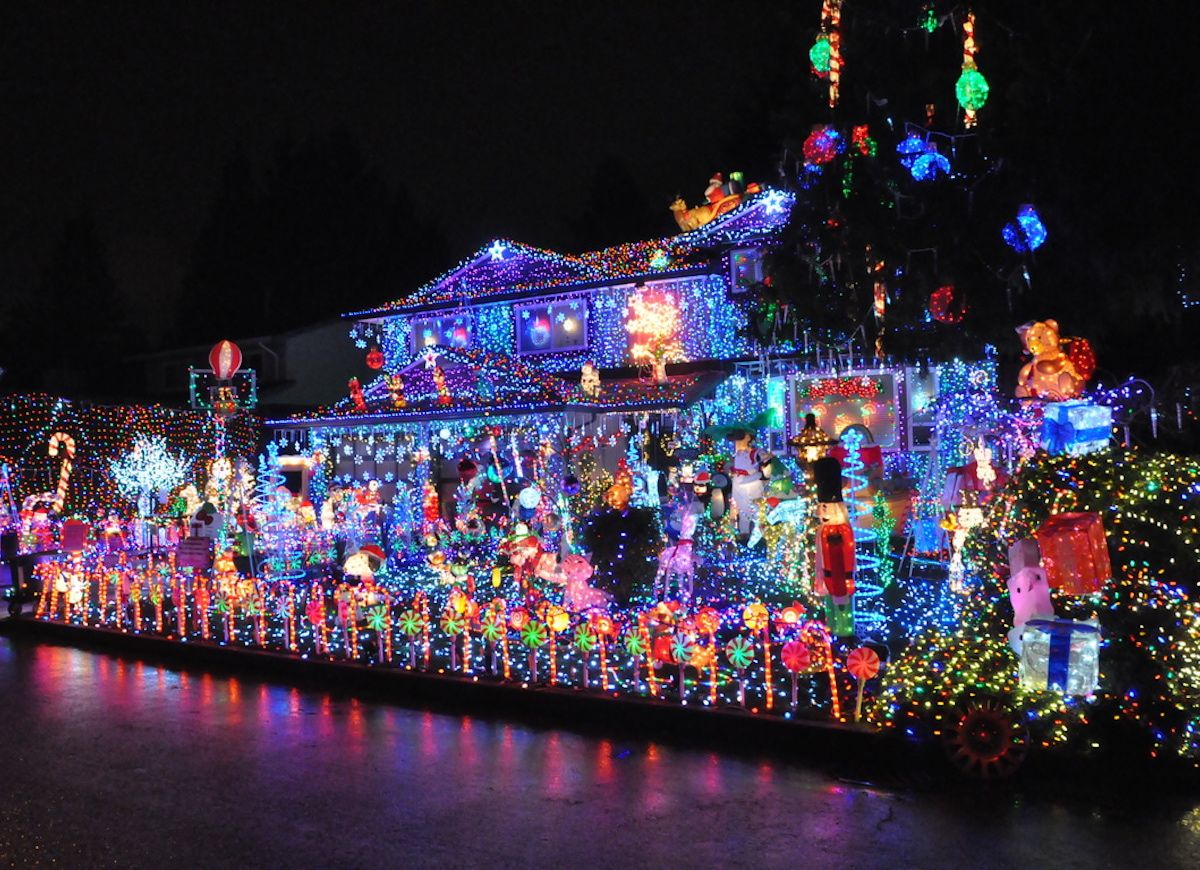 15 Times Outdoor X Mas Decorations Went Too Far Holiday Light