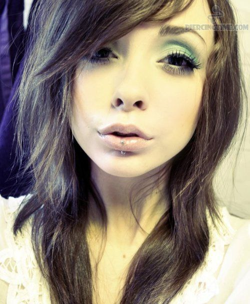 cute piercings for girls | Labret Piercing For Cute Girl ...
