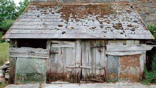 Ancienne soue à cochons à La Gacilly, Bretagne.