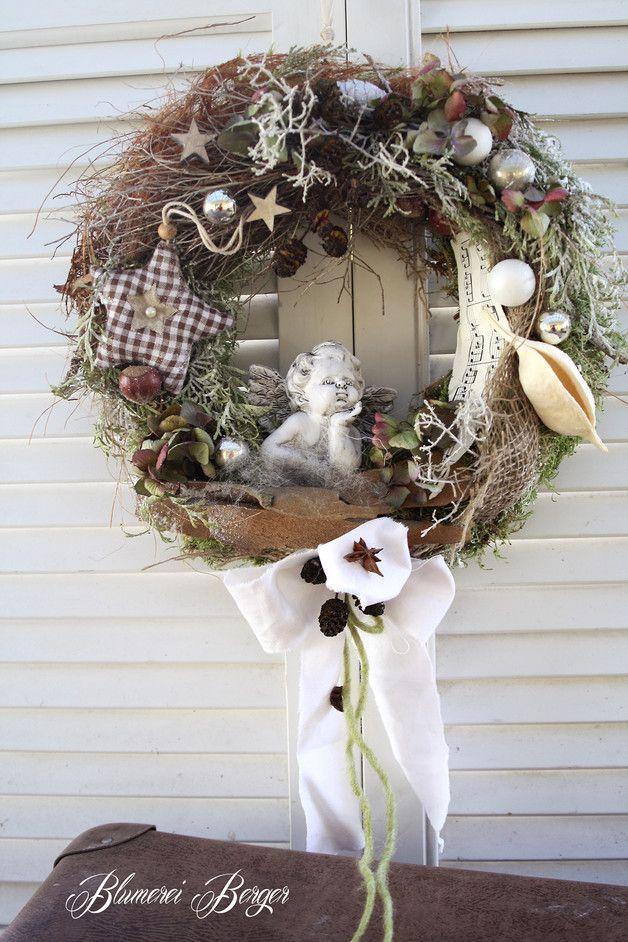 weihnachtsdeko t rkranz weihnachtsengel ein designerst ck von blumereiberger. Black Bedroom Furniture Sets. Home Design Ideas