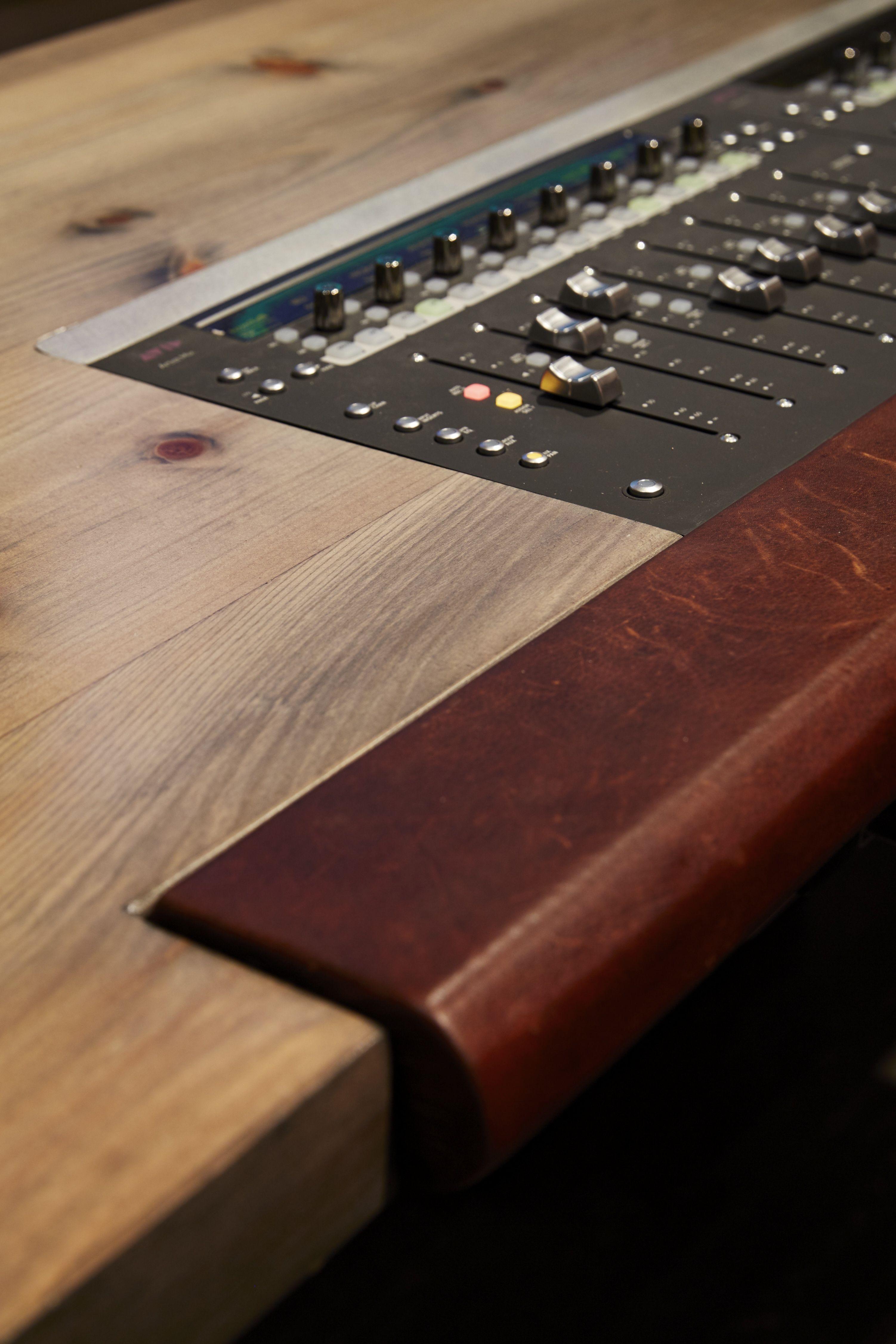 Music Studio Room Design: Http://hiphopsamplez.com Make Twice As Many Beats Per Day