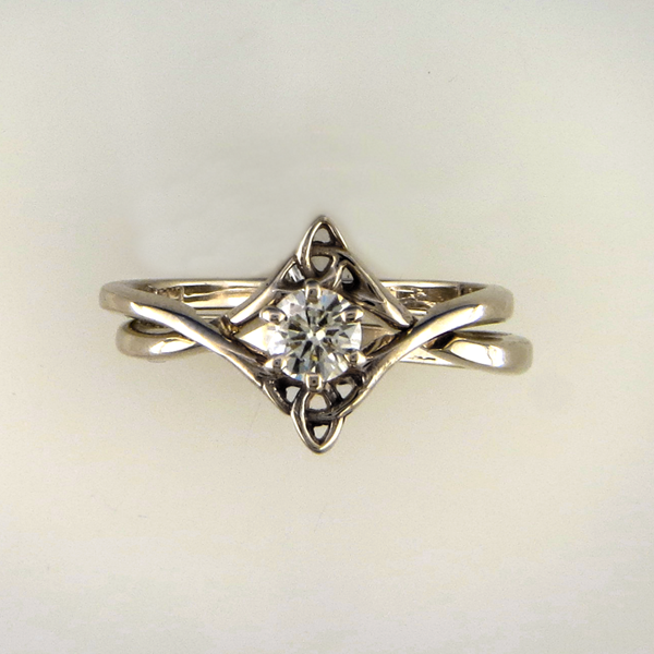 Diamond Celtic Wedding Set Don T Normally Like Them This Much But Is Gorgeous