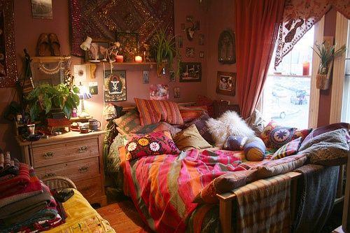 Boho hippie bedroom. love the textiles colors bohemian style