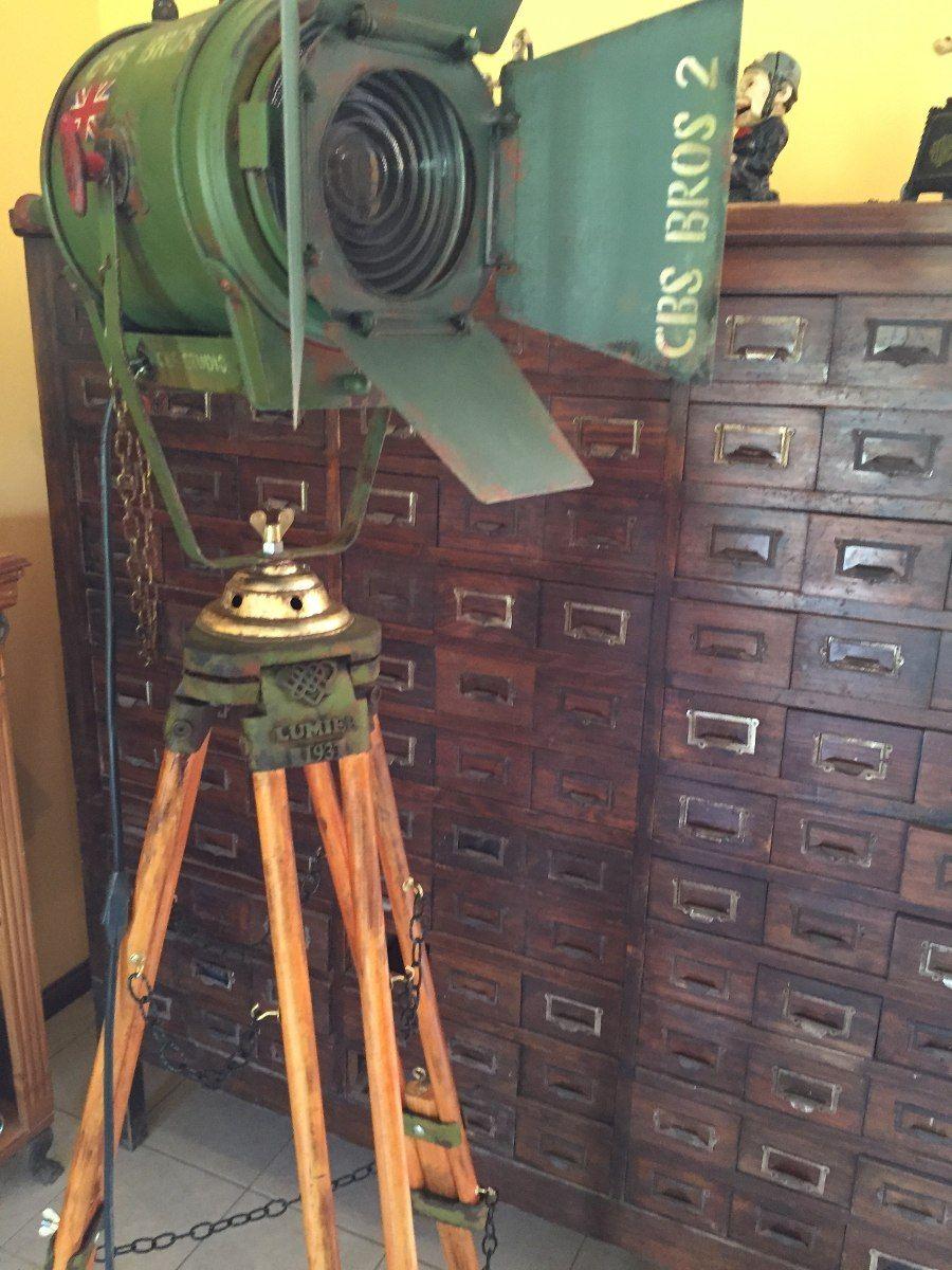 Antiguo Reflector Farol Cine Lampara De Pie Tripode Manes Marzano Collection Lamparas De Pie Faroles Diseno De Iluminacion