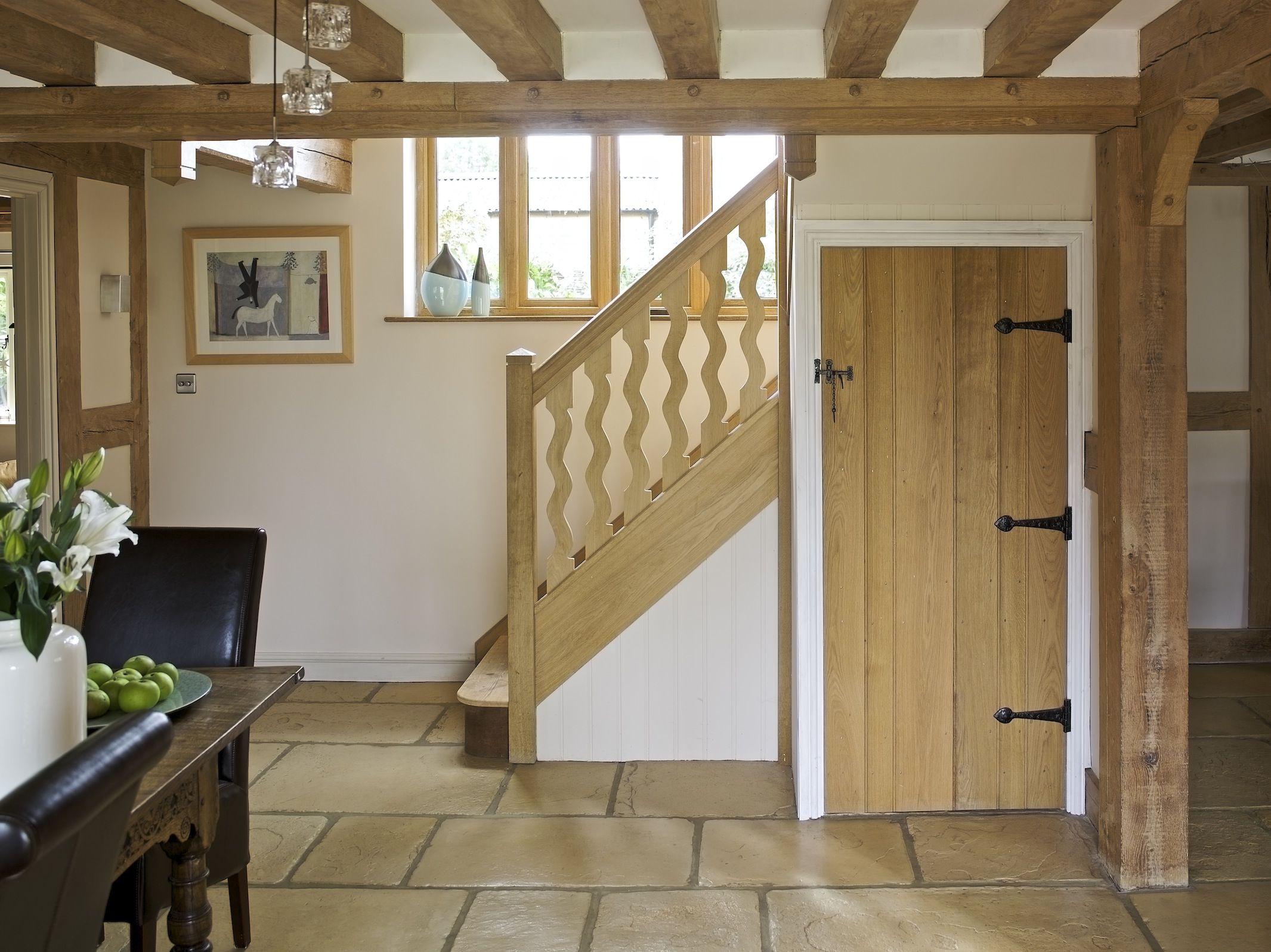 Border oak farmhouse hallway decor ideas pinterest border oak house and english cottages - Country cottage hallways ...