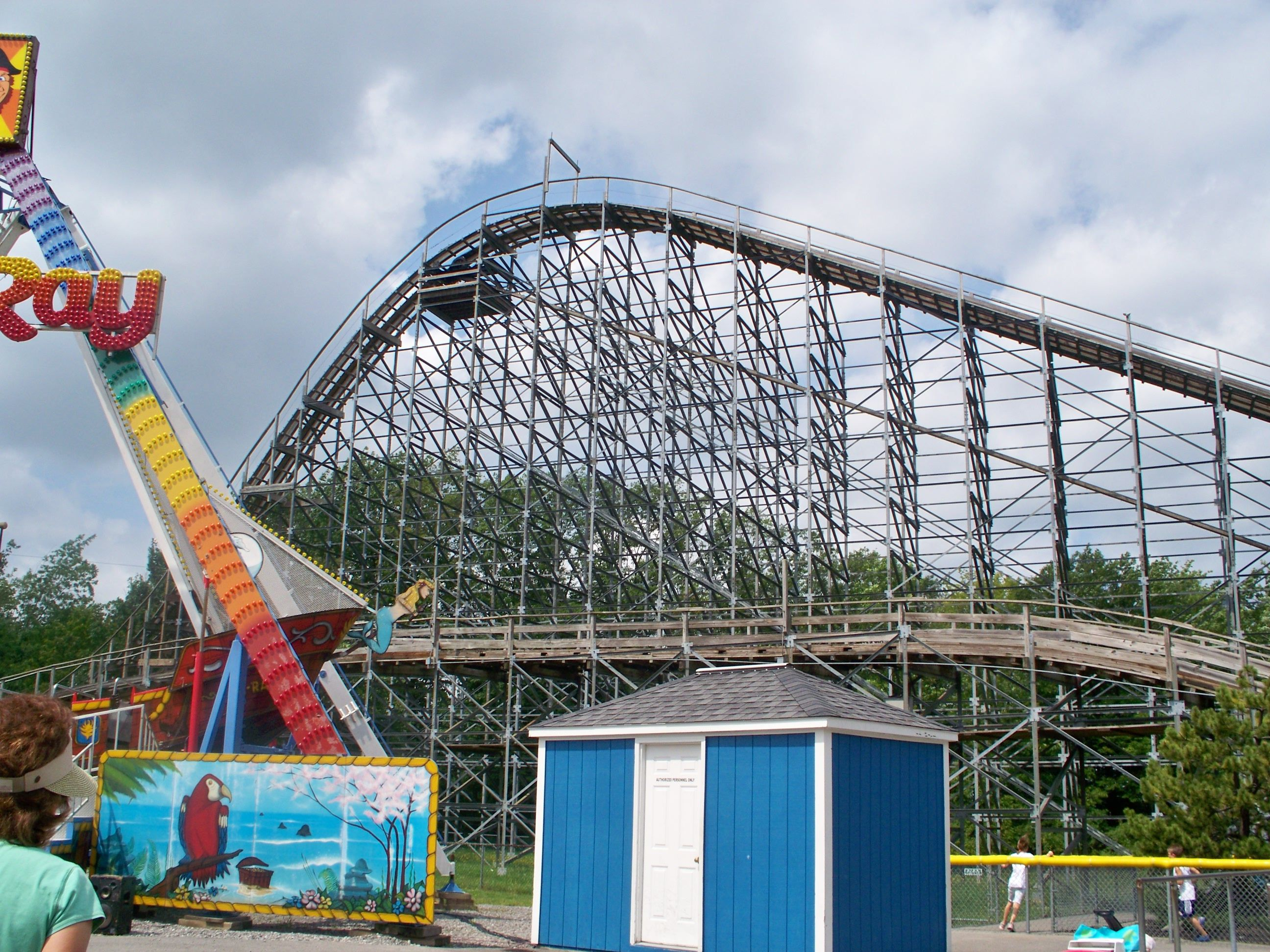 Silver Comet Roller Coaster Wikipedia The Free Encyclopedia - Pedal powered skycycle rollercoaster japan amazing