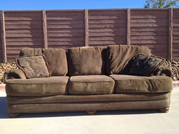Attractive Large Couch By Lane Furniture (Cedar Park/Leander) $60
