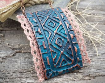 patina copper polymer clay jewelry Tribal pendant por Lelandjewelry