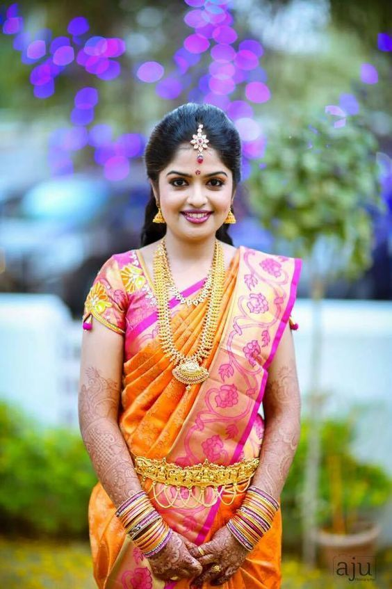 Do you like these South Indian style #bridalmakeup? in 2019 | Indian bridal sarees, Indian ...