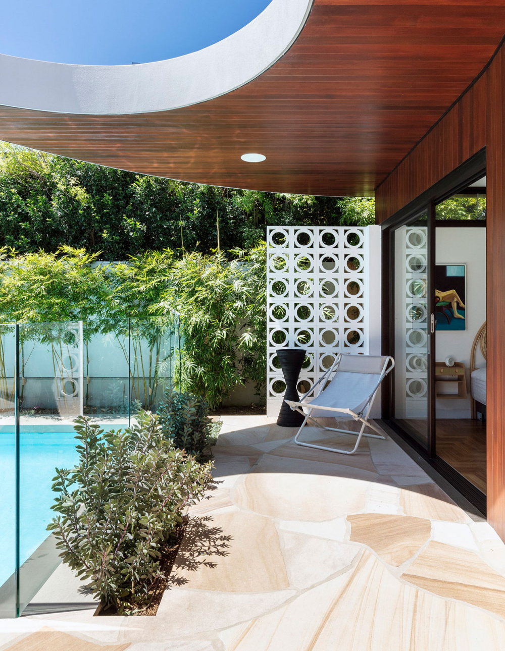 A Palm Springs Inspired Oasis In New South Wales Australian Homes Apartment Backyard Palm Springs