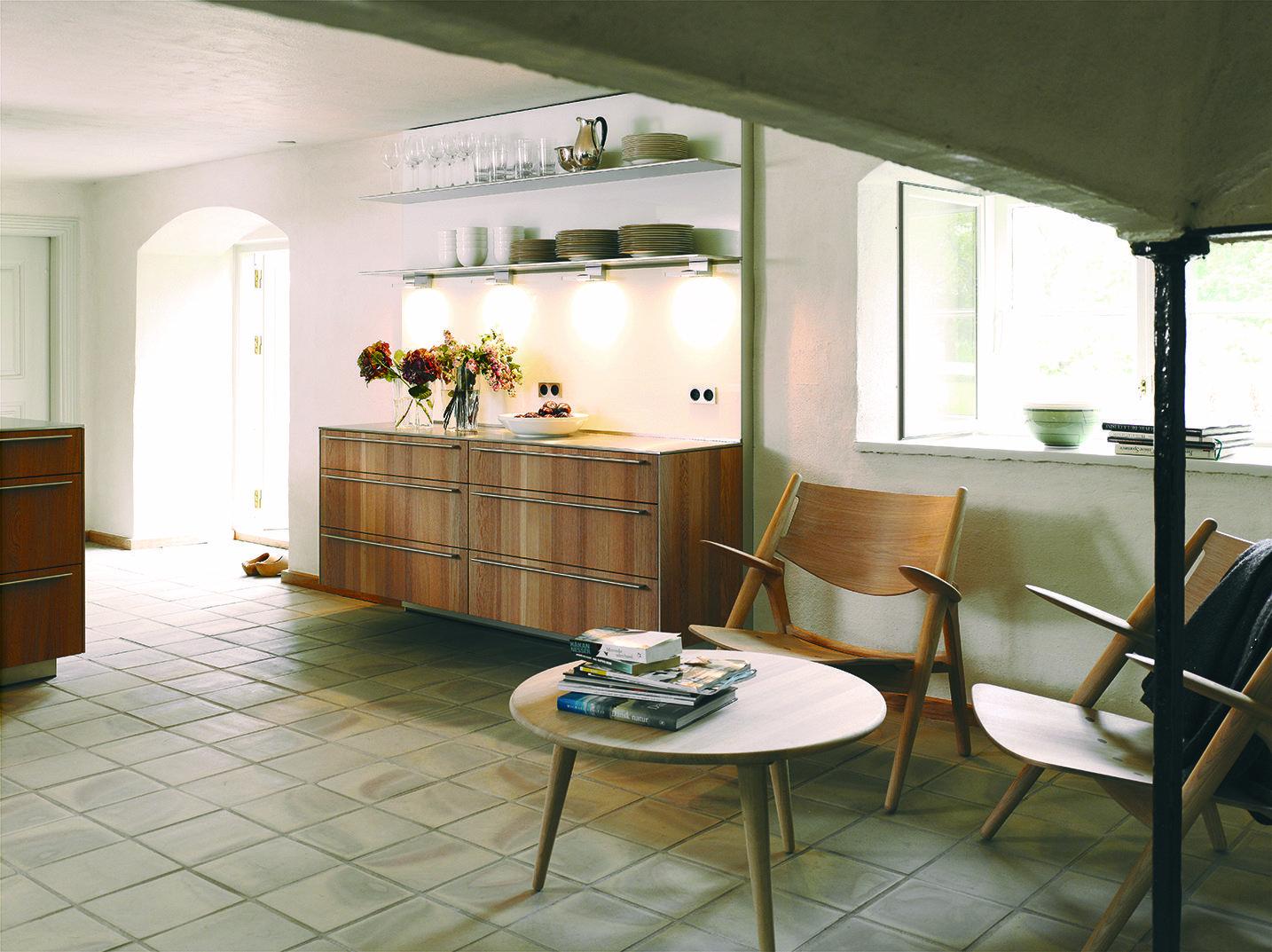 Bulthaup B3 Keuken : Bulthaup b keuken het sideboard van deze keuken hangt aan de