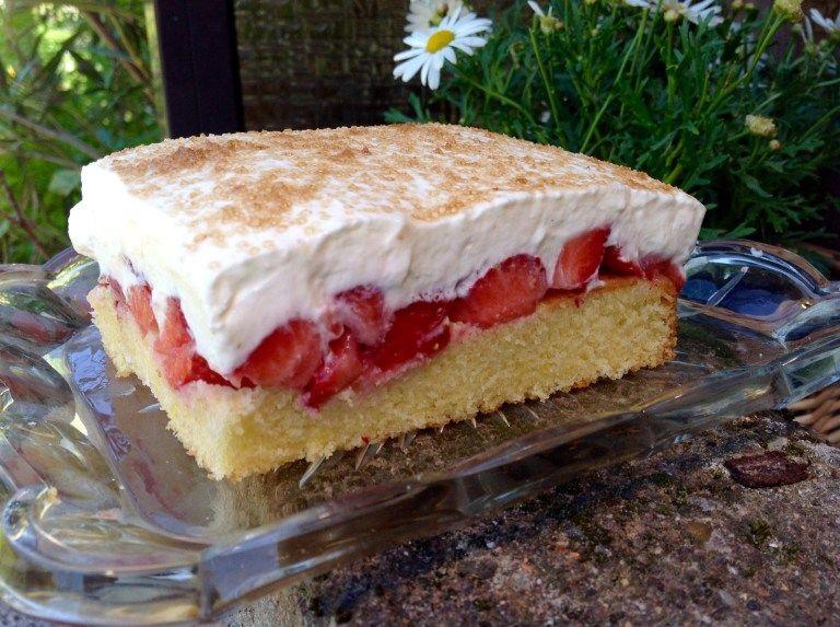 Erdbeer Fanta Kuchen Aus Meinem Kuchen Und Tortenblog Kuchen Rezepte Kuchen Kuchen Kuchen