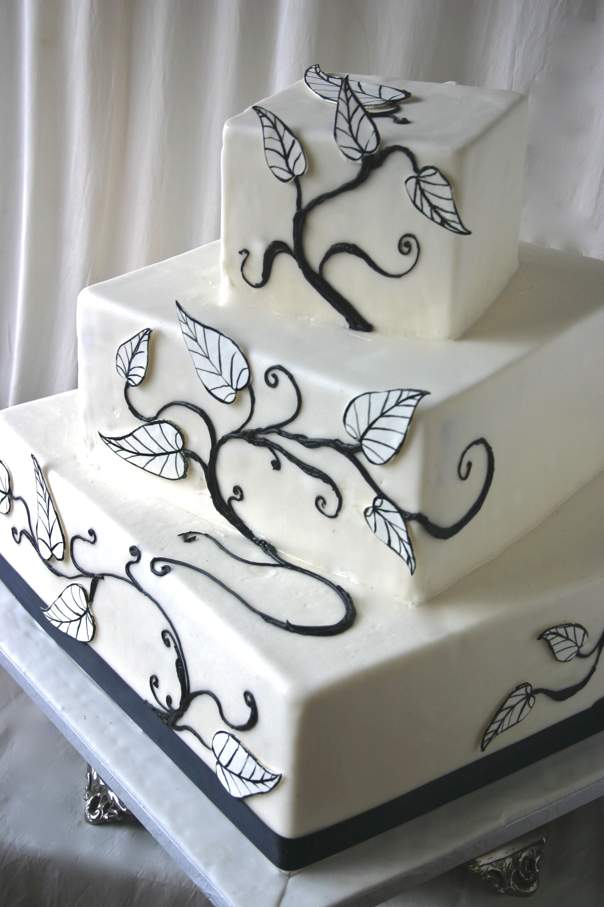 winter wedding cake - here is the square cake \