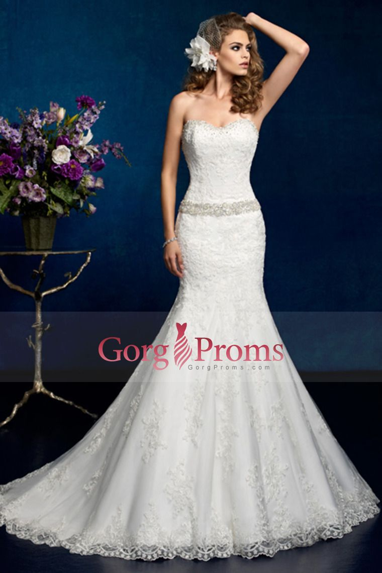 sweetheart mermaidtrumpet wedding dress with applique and