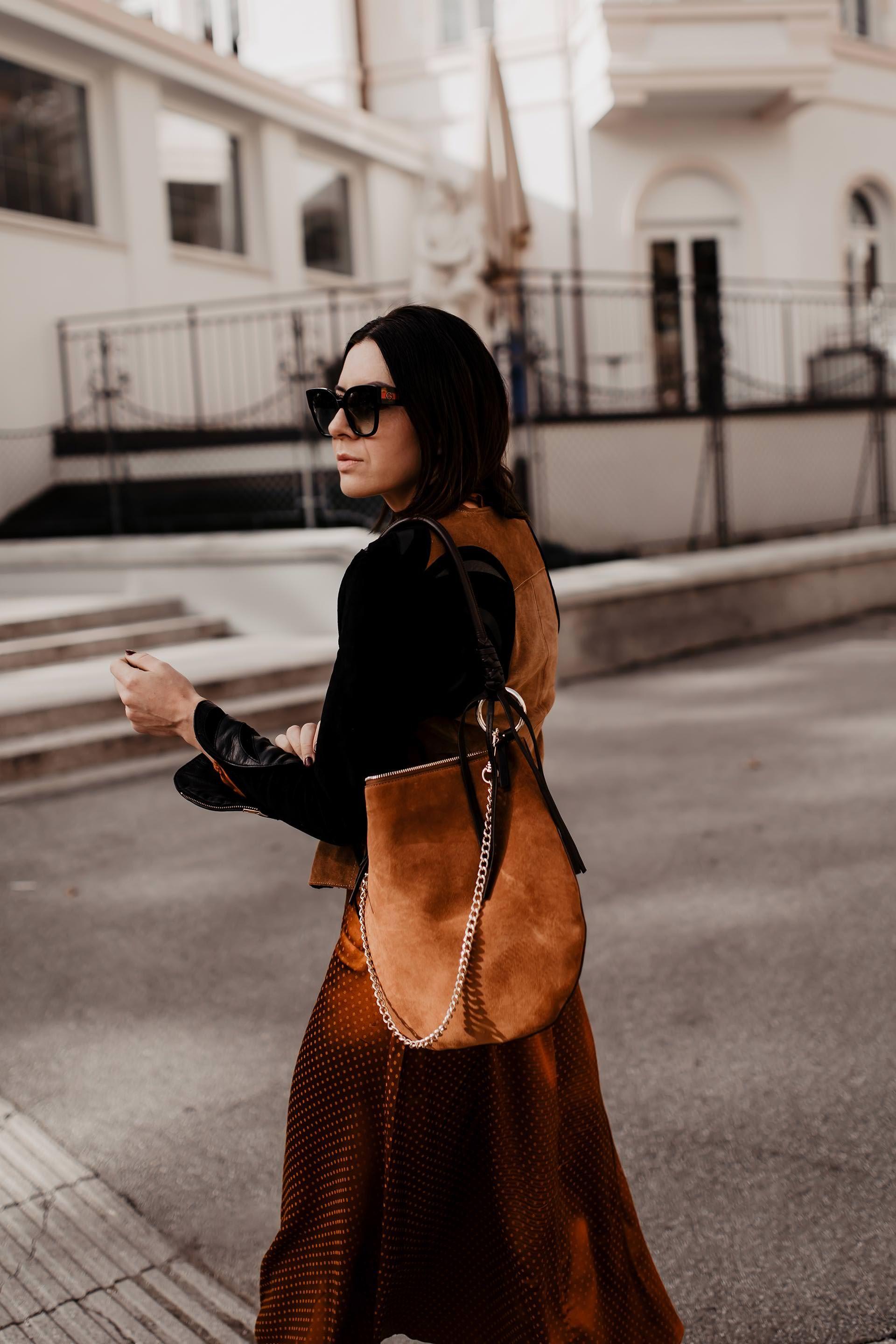 Mein Herbst Outfit Mit Midikleid Lederjacke Und Slouchy Boots Outfit Mode Und Kleidung Frauen