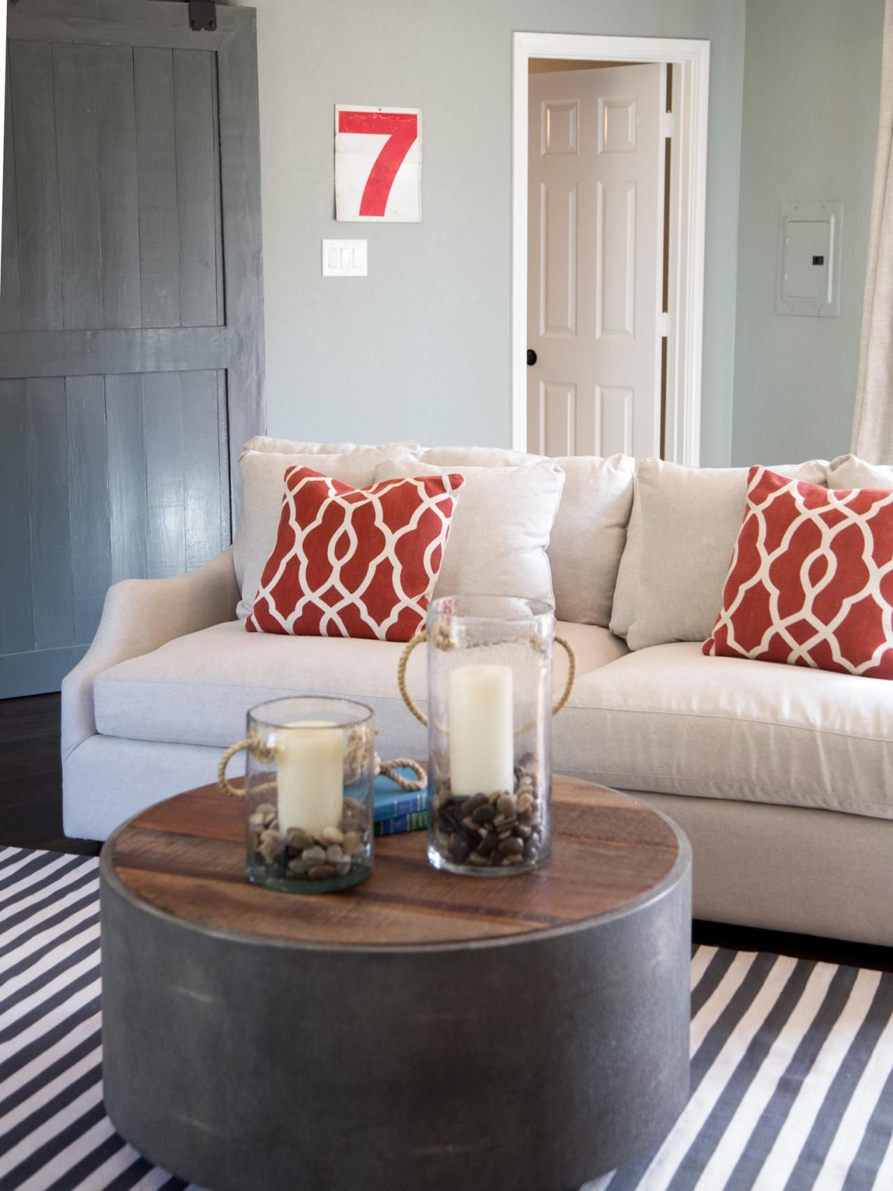 Love this look! Photos   HGTV\'s Fixer Upper With Chip and Joanna ...