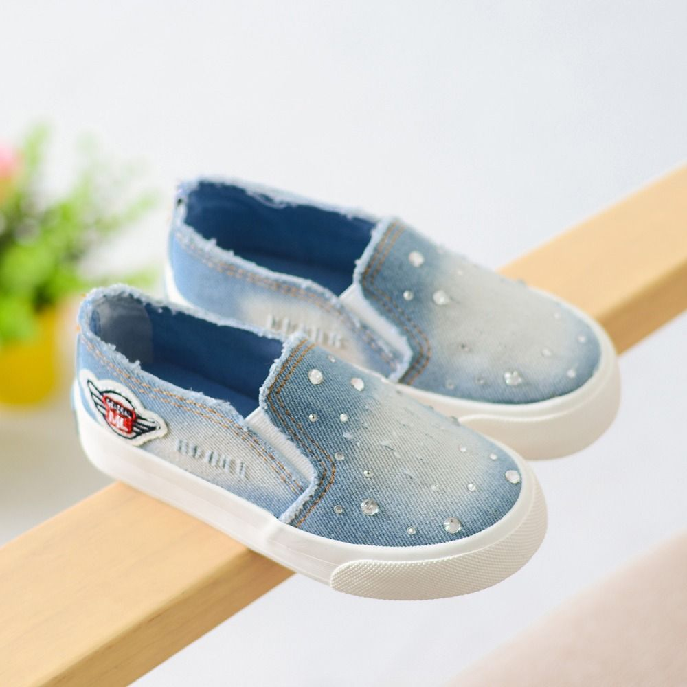 2017 New Spring Canvas Children Shoes Fashion Kids Sneakers Elastic Band  Denim Girls Shoes Jeans Flat Children Casual Shoes   Price   25.82   FREE  Shipping ... 6ca5daddc232
