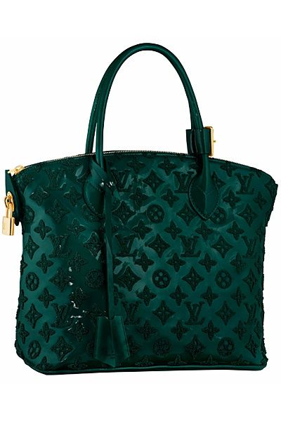 Beautiful bag.... Love the unique color.. Emerald green... Unexpected from LV!!!  Omg. Someday!!!