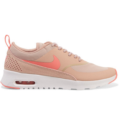 e9cd9ce92c62 Cute and comfy Nike shoes with fashion written all over them!  AffiliateLink